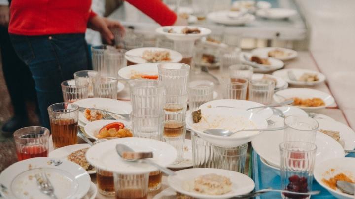 Тюменский Роспотребнадзор оштрафовал поставщиков питания в школы и детсады на 1,2 миллиона рублей