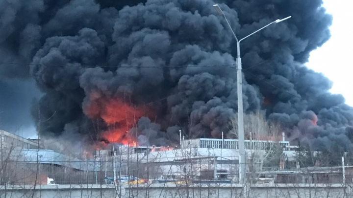 Пожар на заводе холодильников локализовали