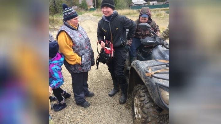 «Ночь бродил по болоту и уснул в лесу»: волонтеры — о поисках мальчика, потерявшегося на Урале