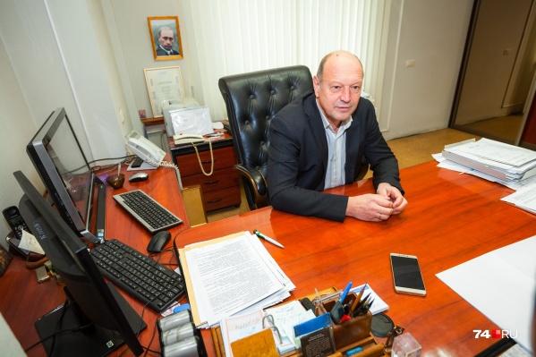 Сейчас кресло главного архитектора города занимает Николай Ющенко, но у него появились конкуренты