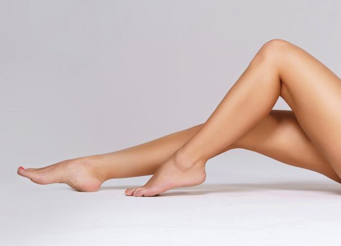 Кремы рекомендуются и мужчинам, и женщинам,испытывающим отечность в ногах к концу дня