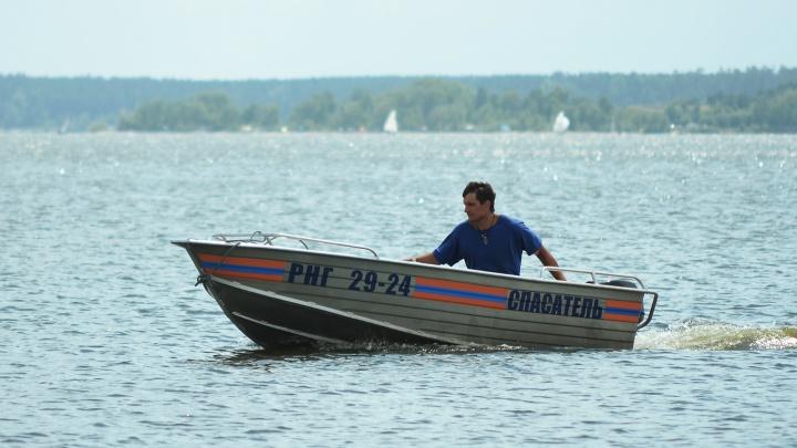Пытался доплыть до острова: 13-летний мальчик утонул в Ине из-за сильного течения