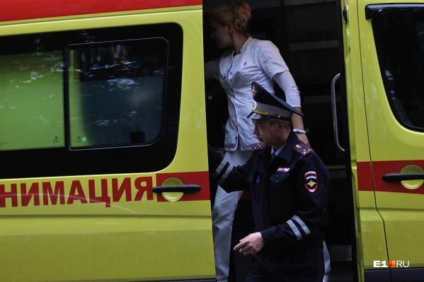 Хулиган напал на медика на улице