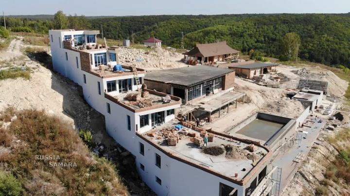 Горожане: на месте здравницы на Управленческом строят отель