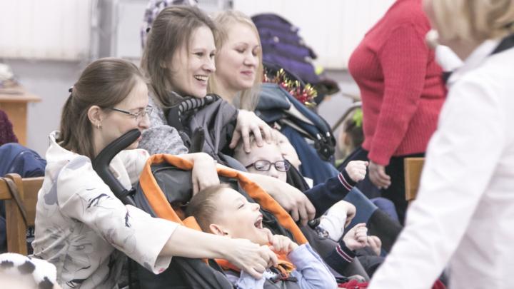 «Всё было только для них»: в Архангельске прошла новогодняя ёлка для особых детей