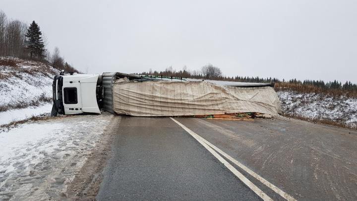 На трассе Пермь — Березники в ДТП с фурой пострадали три человека