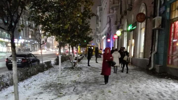 В центре Ростова студент насмерть разбился, упав с крыши здания