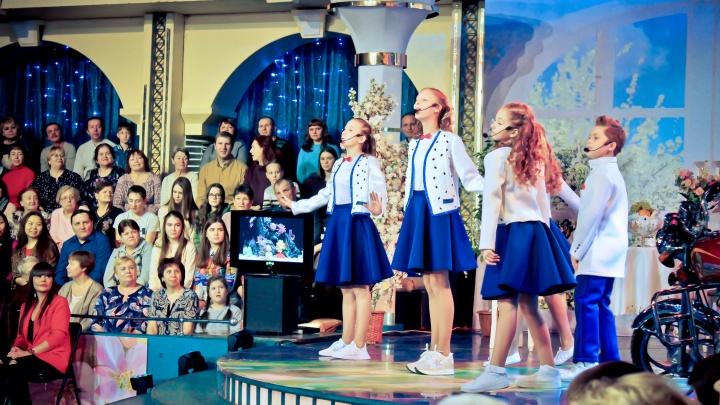 Юные артисты из Новосибирска приняли участие в съёмках программы «Поле чудес» на Первом канале