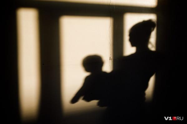 Мальчик всего на несколько минут, по словам матери, остался один