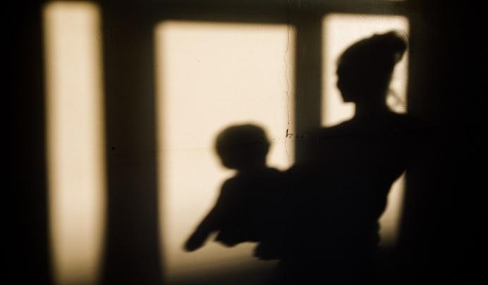 «Оставила на кухне есть кашу»: в Волгограде двухлетний ребенок выпал из окна