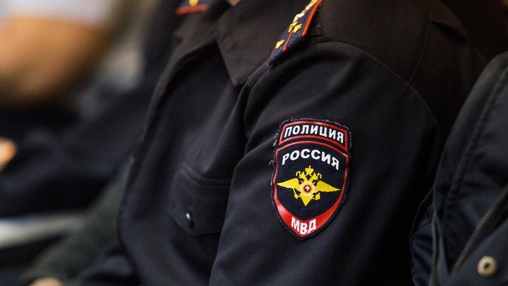 Уволенный полицейский получил условный срок за лишние 30 тысяч на балансе телефона