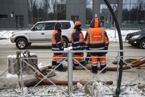 Закончить ремонт теплотрассы обещают к 22 марта