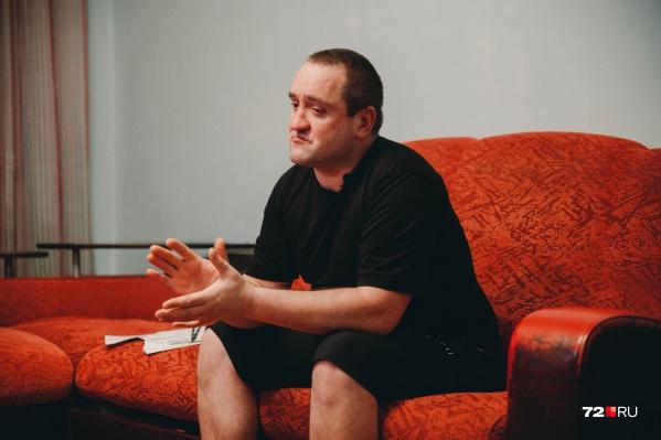 Дмитрий Хлимаков поделился с нами своей трагедией. Кто поломал его жизнь? Как ему удается в современном мире существовать без документов? Читайте в нашем материале