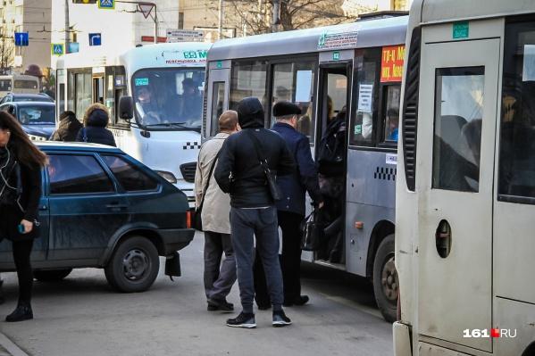 Жители Суворовского не могут уехать из центра домой по 40 минут