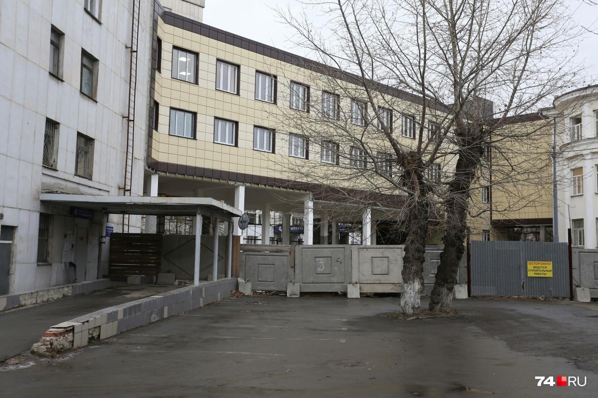 Переход соединил корпуса горбольницы №1 на улице Воровского, 16