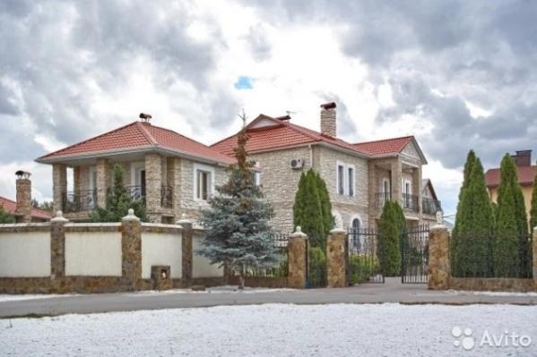 Самым дорогим продаваемым домом, стал особняк в Центральном районе Волгограда