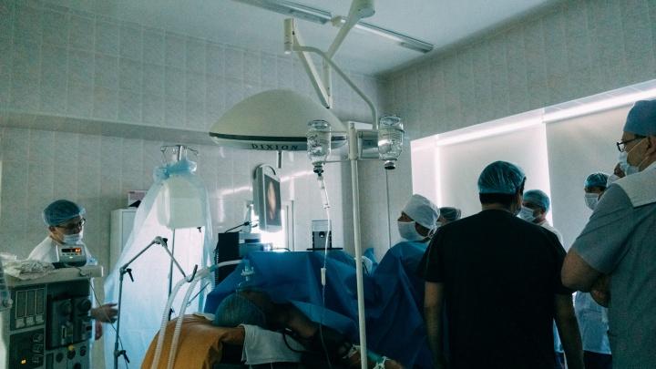 Опухоль из-за кальяна или смартфона: онколог — о пятнадцати самых популярных мифах о раке