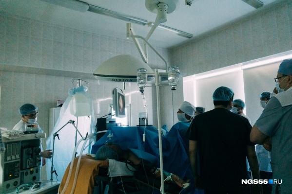 Мы пообщались с омским онкологом, который опроверг несколько мифов о раке