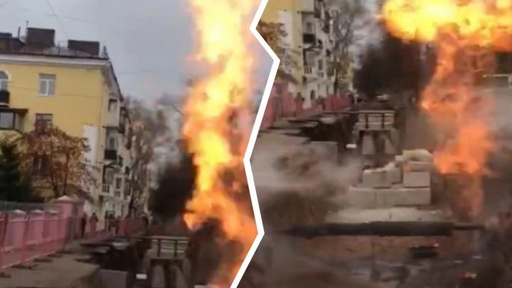 В Уфе загорелся газопровод, огонь вздымался вверх на три метра