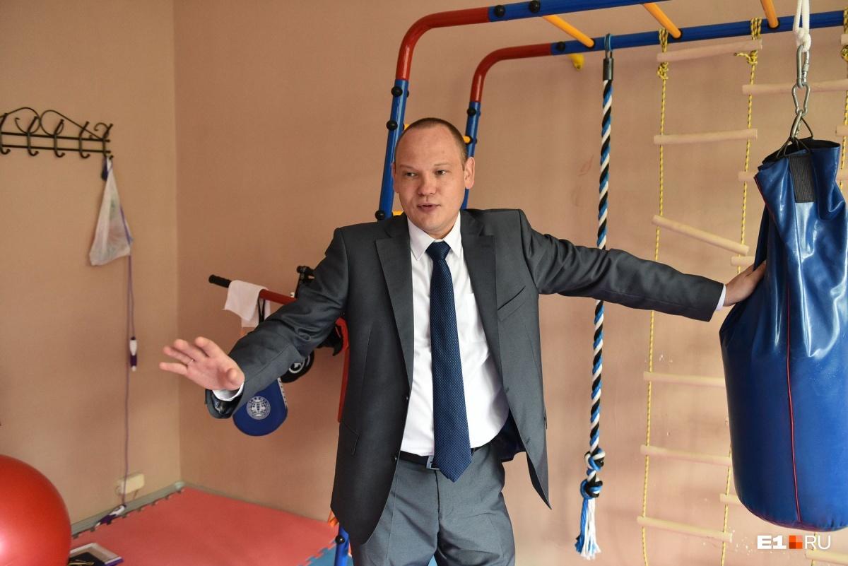 Дмитрий Смирнов в спортзале