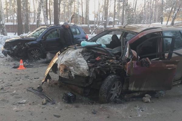 Всего в результате ДТП пострадали пять человек, женщина получила травмы, несовместимые с жизнью