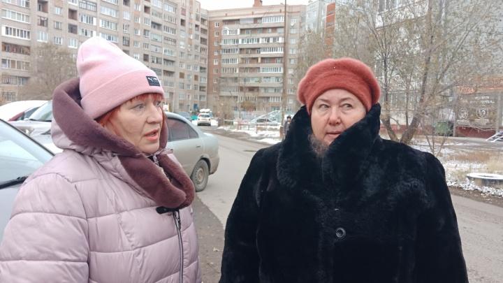 «Боятся, что им радиация в штаны потечёт»: жильцы многоэтажки взбунтовались против сотовой вышки