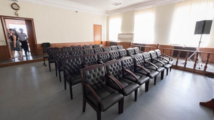 Согласился ничего не делать: старший следователь волгоградского МВД попался на миллионной взятке