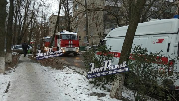 Надышалась дымом: во время пожара в квартире пострадала ростовчанка