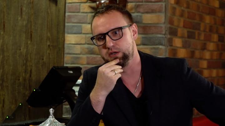 Омич построил бизнес в Дубае и стал героем блога в стиле Дудя