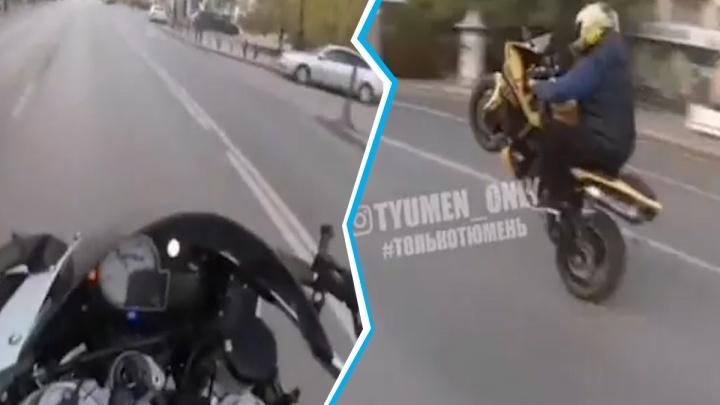 Опасную езду по улицам Тюмени устроили мотоциклисты