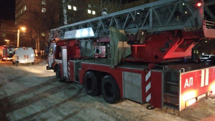 В Перми ночью из-за пожара эвакуировали пациентов больницы