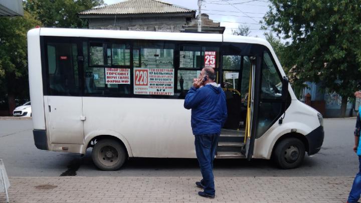 Коллеги — о водителе автобуса, который обидел бабушку: «Будут проблемы — так сам виноват»