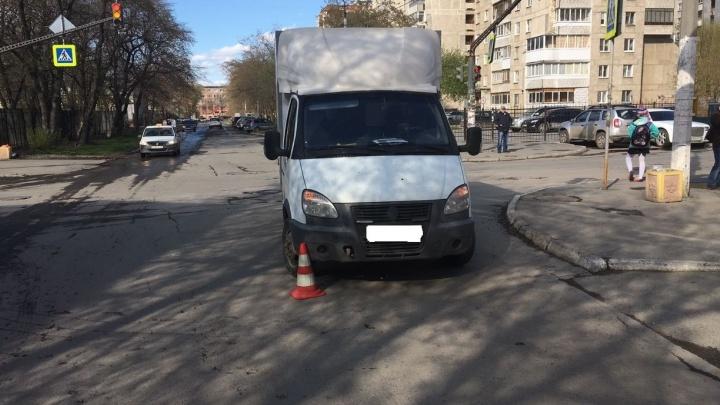 На Уралмаше водитель ГАЗели сбил 62-летнюю женщину