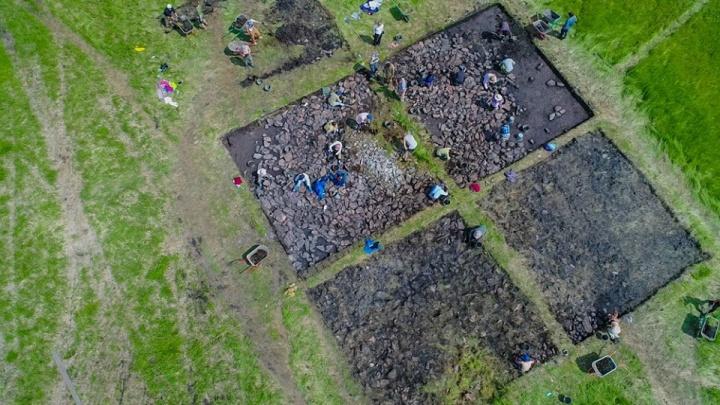 Красноярские археологи нашли древнейшие скифские курганы с оружием