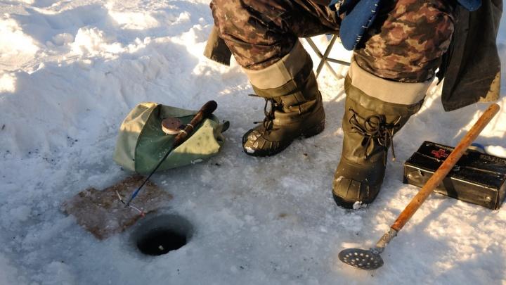 Первый случай за сезон: под Алапаевском провалился под лёд и утонул рыбак