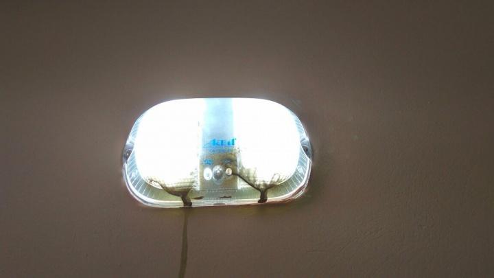 Из новостроек на Компрессорном воришки утащили более 200 новеньких светильников