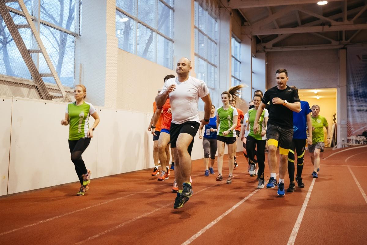 Чтобы вот так бегать, нужно сначала пройти обследование у спортврача