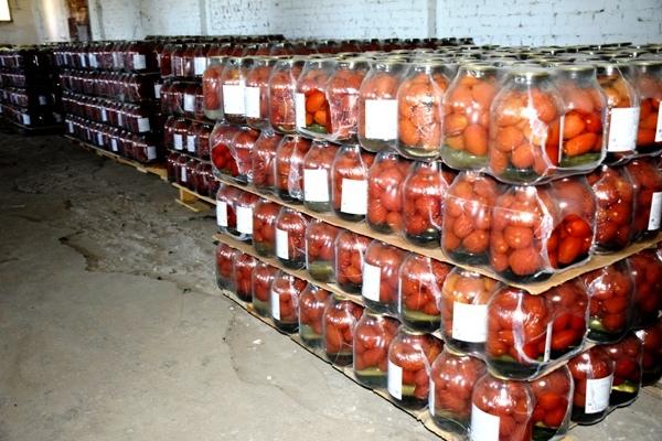 В Самарской области заключенные научились квасить капусту и мариновать томаты