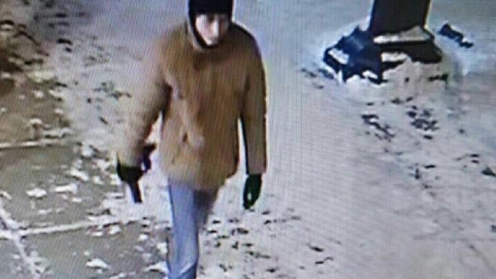 Проверяют даже психбольных: в Тольятти ищут мужчину, который нападал на женщин с ножом