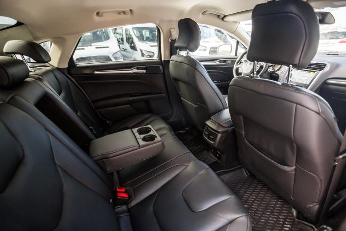 Предприятию понадобился новый автомобиль с чёрным кожаным салоном