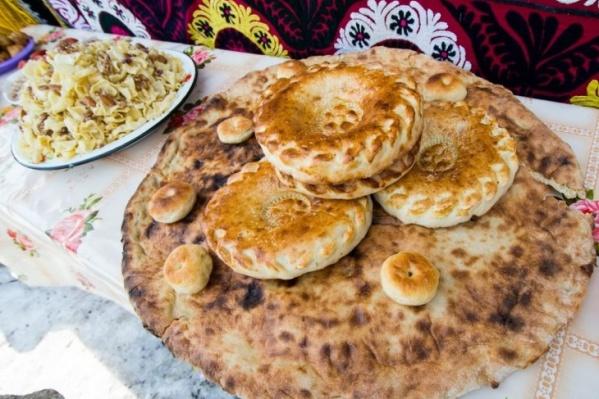 Традиционный стол для Навруза должен содержать семь блюд
