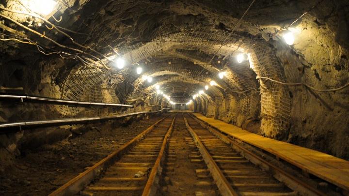 Участковые поймали пропавших в шахте на севере области мужиков с металлом в руках