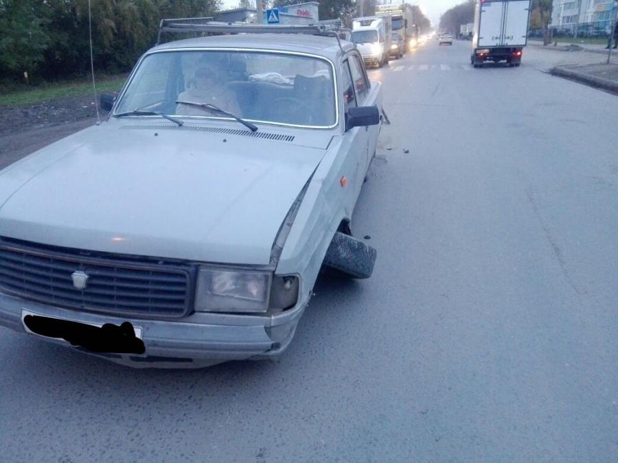 Две машины остались без колес после ДТП вНовосибирске