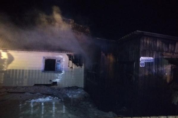 Это дом, из которого выбежали пострадавшие