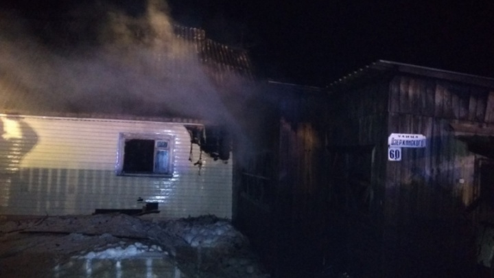 Пострадавшие на пожаре в Кудымкаре мужчина и 3-летняя девочка скончались