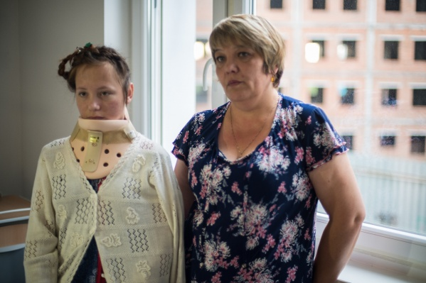 Студентка сильно повредила шею в аварии с поленом, но сейчас опасность для жизни миновала