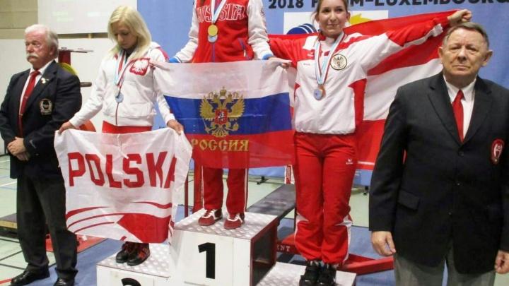 Девушка подняла два собственных веса и взяла золото на соревнованиях в Люксембурге