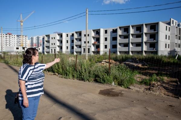 Так выглядит недострой, на седьмом этаже которого должна была быть квартира Чечениных. Всё это время они платили ипотеку за воздух