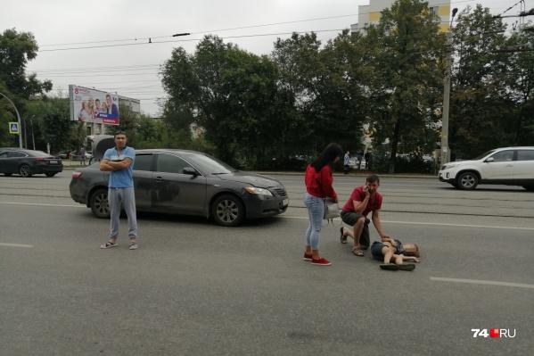 Авария произошла на улице Кирова — на участке между Калинина и Братьев Кашириных