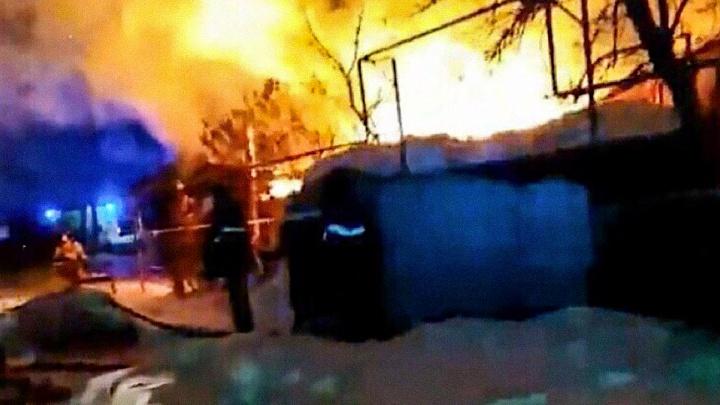 Рано утром в Мальково загорелся жилой дом